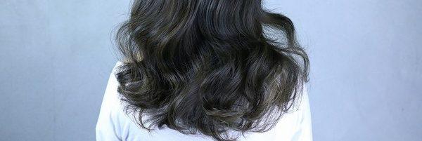くせ毛の根本的な原因とは? 〜くせ毛を直す方法〜